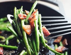 blistered green beans with bacon