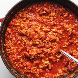 healthy turkey chili in a red pot