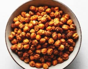 air fryer crispy chickpeas in a bowl
