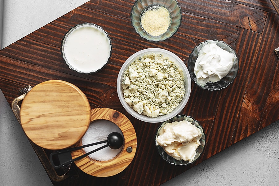 keto blue cheese ingredients in bowls