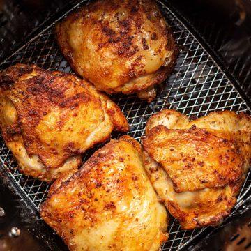 keto chicken thighs in an air fryer
