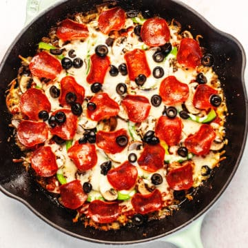 crustless pizza in a skillet